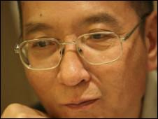 中外政府对刘晓波获诺贝尔和平奖反应不一